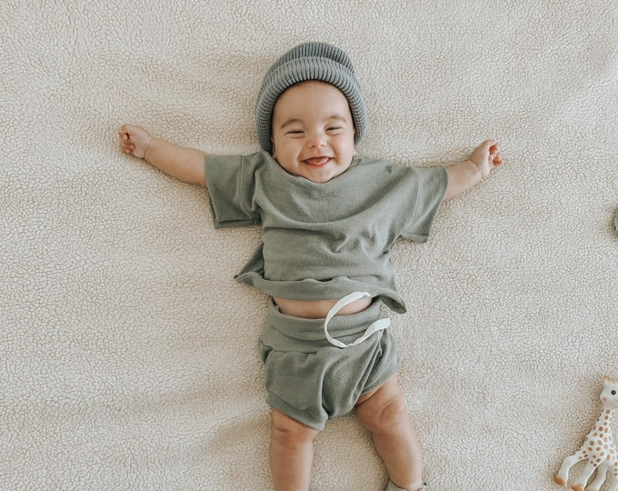 Featured listing image: Baby Unisex shirt and pants set, Oversized tee and shorties , Hunter Green Vintage set, Modern clothes