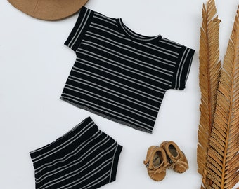 Baby Unisex shirt and pants set, Oversized tee and shorties , Black Stripe set, Modern clothes