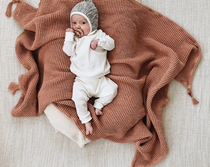 Featured listing image: Baby Unisex shirt and pants set, Harem pants, Long sleeve tee, Milk Ribbed  knit  set, Modern clothes