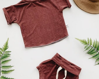 Baby Unisex shirt and pants set, Oversized tee and shorties , Burgundy Ribbed  set, Modern clothes