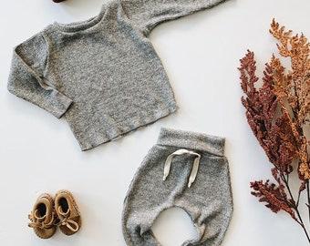 ready to ship 3-6, Baby Unisex shirt and pants set, Harem pants, Long sleeve tee,  Slate Knit Set, Modern cothes