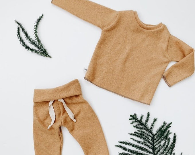 Featured listing image: Baby Unisex shirt and pants set, Harem pants, Long sleeve tee, Mustard fuzzy set, Modern cothes