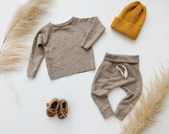 Baby Unisex shirt and pants set, Harem pants, Long sleeve tee, Brushed Oatmeal Knit Set, Modern clothes