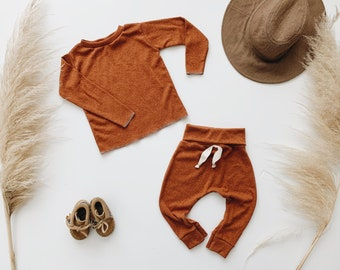 Baby Unisex shirt and pants set, Harem pants, Long sleeve tee, Rust Knit Set, Modern clothes