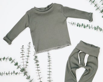 Baby Unisex shirt and pants set, Harem pants, Long sleeve tee, Olive Ribbed set, Modern cothes