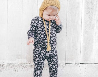Baby Unisex shirt and pants set, Harem pants,going home outfit, Floral set, Modern cothes