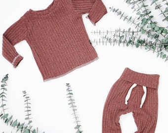 Baby Unisex shirt and pants set, Harem pants, Long sleeve tee, Cranberry Knit Set, Modern cothes