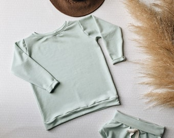 rts, Baby Sweatshirt and shorts set, Oversized sweater and shorties , Sea foam green set, Vintage Set, Modern clothes size 4t