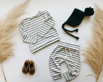 Baby Unisex shirt and pants set, Harem pants, Long sleeve tee,  grey and white Knit Set, Modern clothes