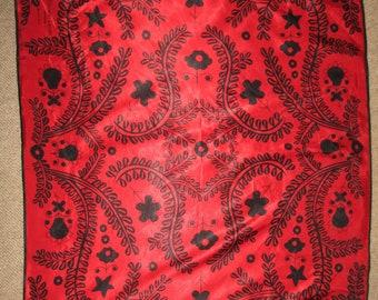 Christian Lacroix Avon foulard en très bon état de450b4516e