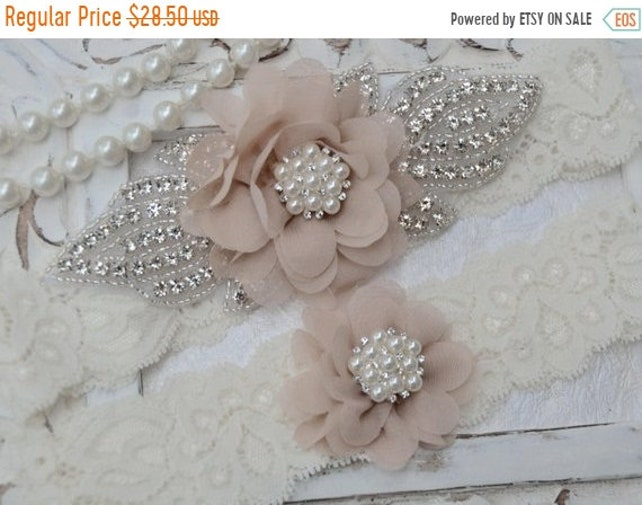 ON SALE Wedding Garter Set, Ivory Wedding Garter Set,Ivory Lace Bridal Garter, Flower Wedding Garter Set, Vintage Wedding -Style 7545
