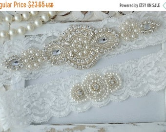 ON SALE Vintage White Wedding Garter, Crystal Bridal Garter Set, Vintage Inspired Wedding Stretch Lace Garter, Bridal Garter, Garter