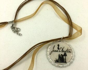 Collana girocollo con ciondolo Jane Austen