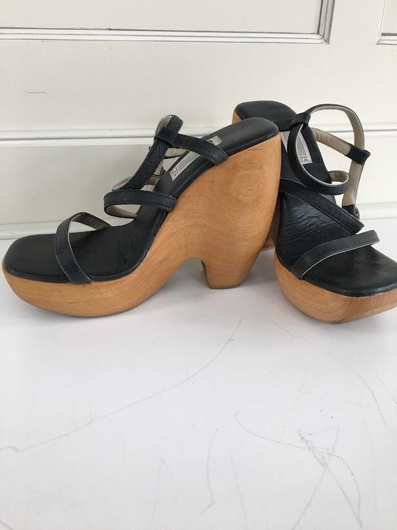 Vintage 90's strappy platform leather high heels -
