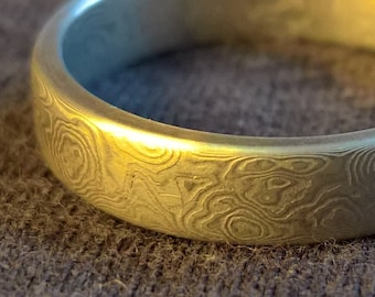 Damascus stainless steel ring