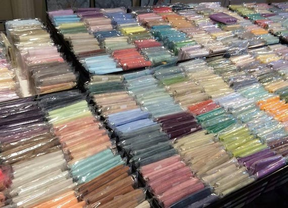 36 count Over-dyed Edinburgh linen Oaken 10/% off Picture This Plus