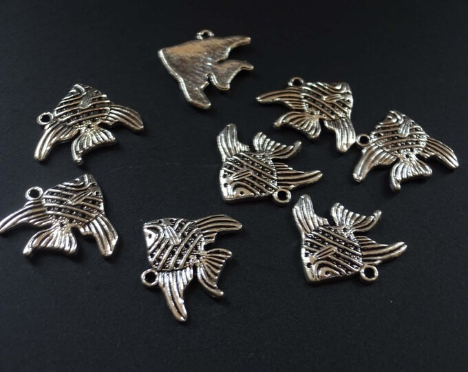 2 cm Antique Silver Color Fish Pendants, Tibetan Style Alloy Beads, Ocean Pendants, Beach Style, Fish Charms, Sea Creatures, Silver Pendants