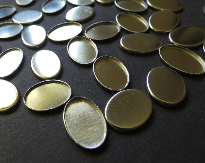 18x25mm Brass Cabochon Pendant Setting, 29x19 Overall Size, 2.5mm Hole, Oval Stone Setting, Platinum Silver, Jewelry Setting For Necklaces