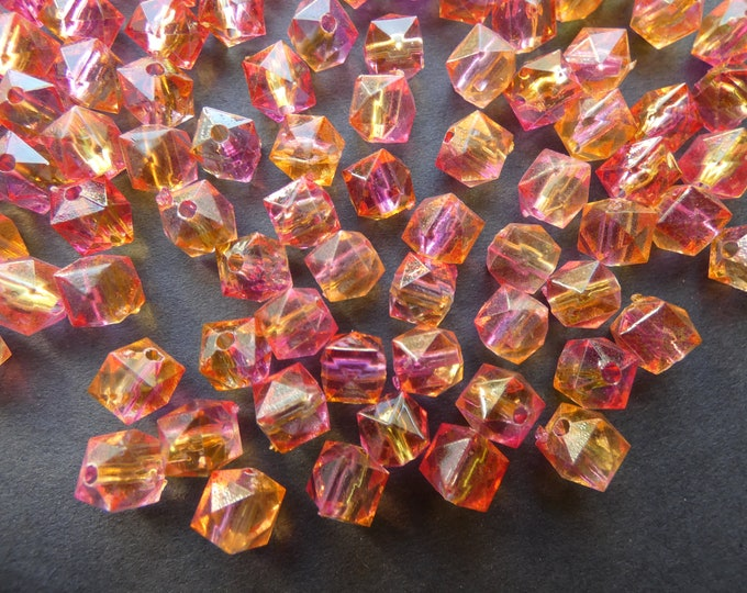 100 Pack 7.5mm Spray Painted Acrylic Beads, Polygon Bead, Pink and Yellow, 1mm Hole, Bright Mixed Color Style, Freeform Shape, Geometric