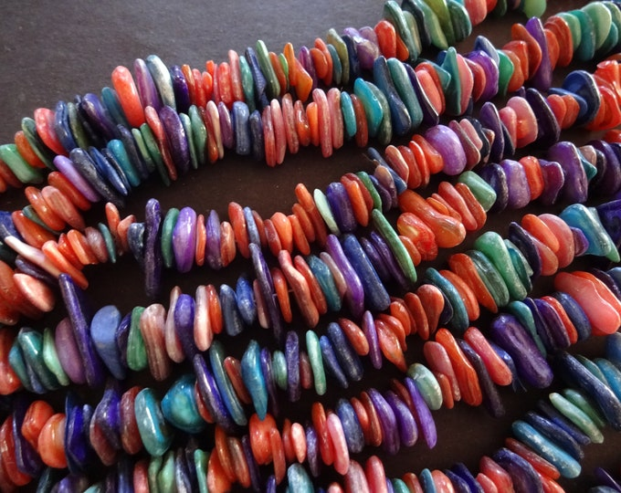 15 Inch Strand of 180-200 Shell Beads, 6-15mm Dyed Shell Pieces, Blue Color, Shell Chips, 6-15mm Shells, Drilled Shell Bead, Drilled Shell