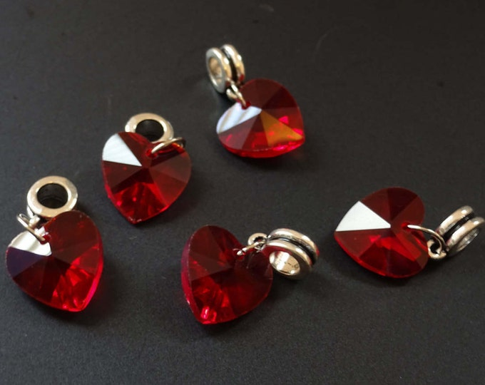 5 Pack of 25mm Red Heart Pendant, Dangle Glass Heart, Crimson Heart Focal, Glass Focal, Dangle Heart, Red Pendant, Faceted, Heart Charm