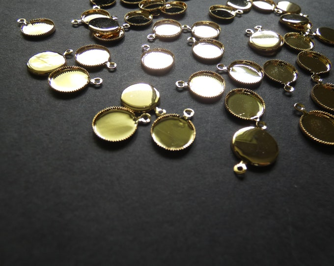 14x11mm Brass Cabochon Charm Setting, For 10mm Round Cab, Gold Color, Flat Round, Cabochon Charm Setting, Classic Golden Setting, 10mm Tray