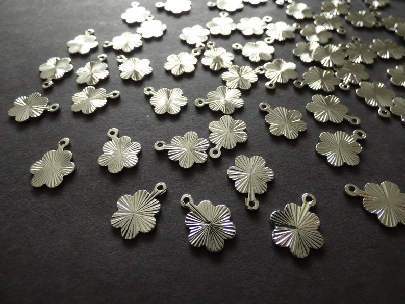 15mm Brass Flower Textured Charms Brass Pendants 1.4mm Hole Lightweight Chic Floral Design Classic Silver Color Rack Plating Charm