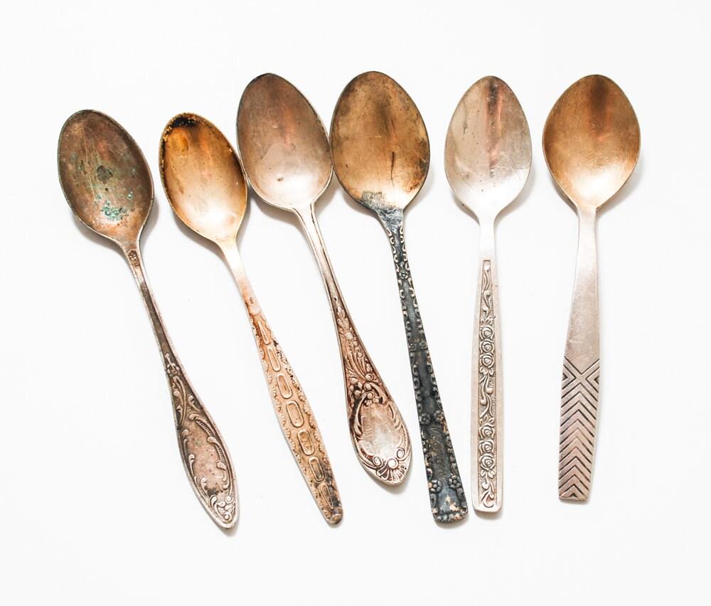Lot de 6 différentes en en différentes métal Vintage petit thé ou cuillères à café, décor Art Nouveau dbe7d4