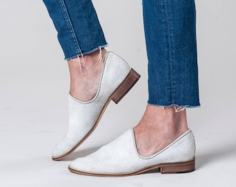 Cream Flat Leather Shoes / Distressed Off White Women Flats / Every Day Loafers / Comfortable Slip on Shoes / Wooden Heels Shoes - Kevin