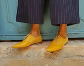 Leather Shoes Women, Oxford Flats, Yellow Shoes, Pointed Shoes, Yellow Flats, Derby Shoes, Wedding Shoes, Bridal Shoes, Ties Shoes, Urban