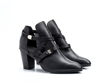 Women Shoes / Wooden Heel Shoes / Pumps / Booties / Black Leather Shoes / Elegant Shoes / Strappy Sandals / Sexy Shoes / Chunky Heels