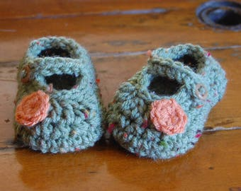 Crochet baby Mary Janes