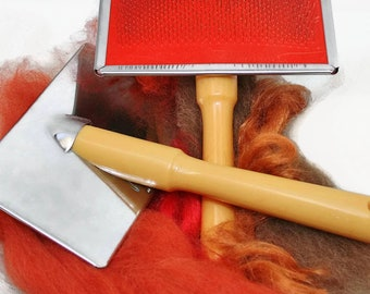 Pair of wool hand carders for blending small amounts of wool for felting. 2 hand carders