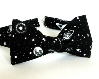 1b9c1425a7d7 GLOW in the DARK Outer Space Bow Tie Self Tie Cotton Planets Black Holes  Galaxy Cosmos Nebula Space Bowtie Black and White Astronomy Tie