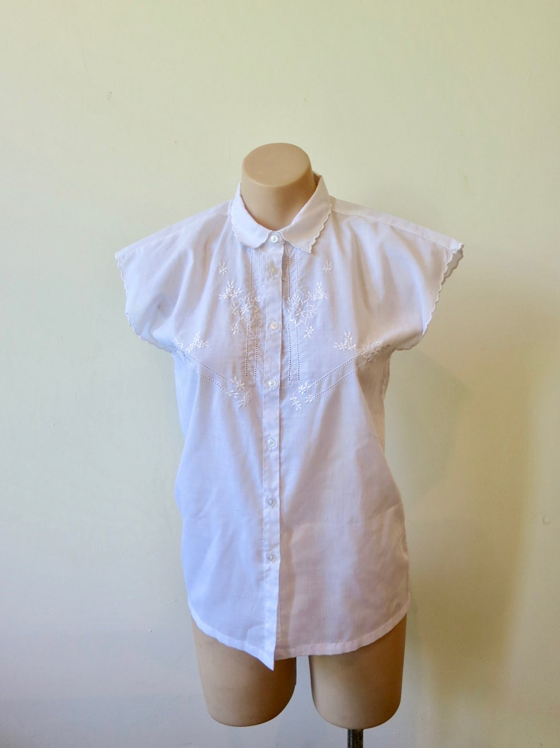 6c61aa6c Delicate embroidered blouse 80s 90s button up blouse 10 S | Etsy