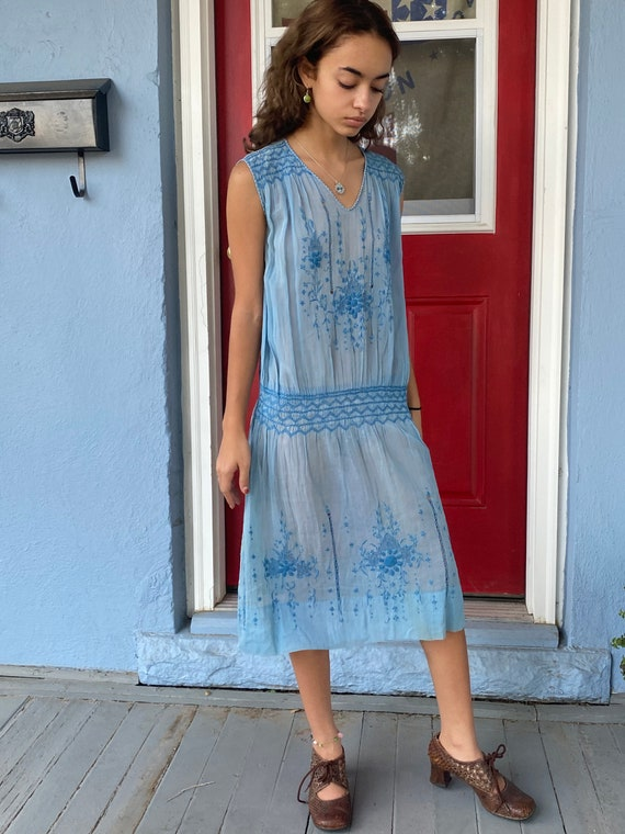 Rare 1920s periwinkle Hungarian dress excellent co
