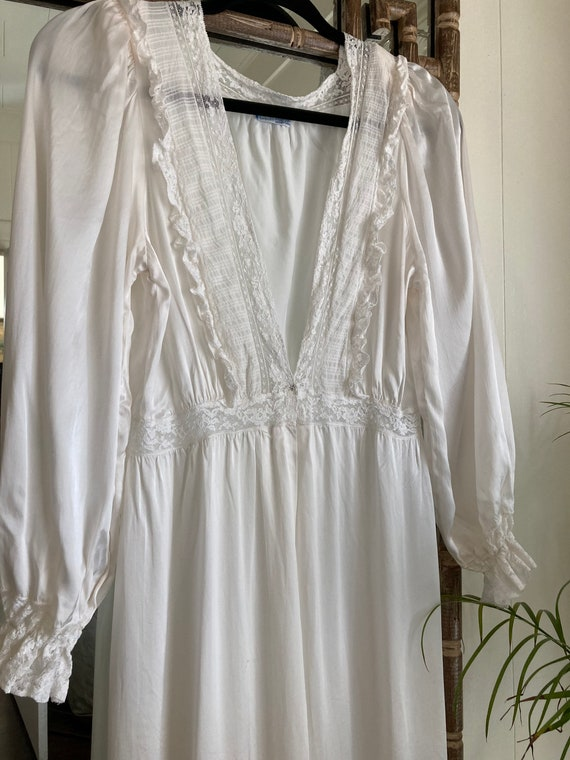 1940s Lady Leonora White rayon gown med