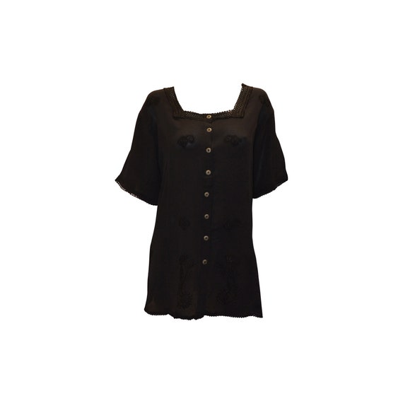 Plus size short sleeve embroidered paisley front buttoned top freesize up to 22 black