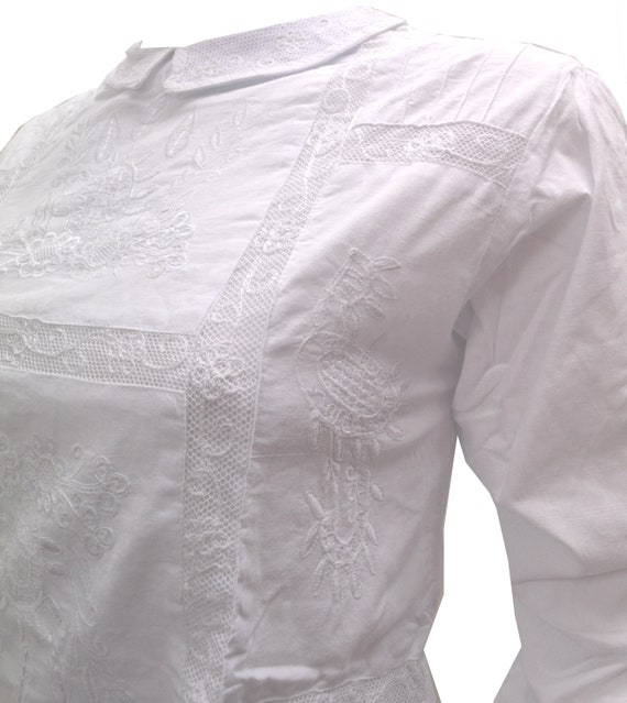 Blueport London Vintage Style Cropped White Cotton Embroidered Button Back Blouse