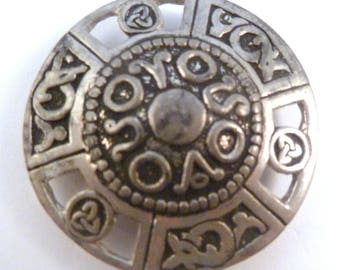 Miracle Welsh Celtic Lion Sword Brooch in antique Pewter