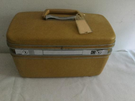 Vintage Samsonite train case - image 2