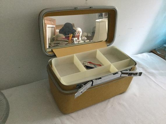 Vintage Samsonite train case - image 5