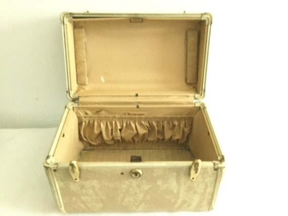 Vintage Samsonite train case - image 6