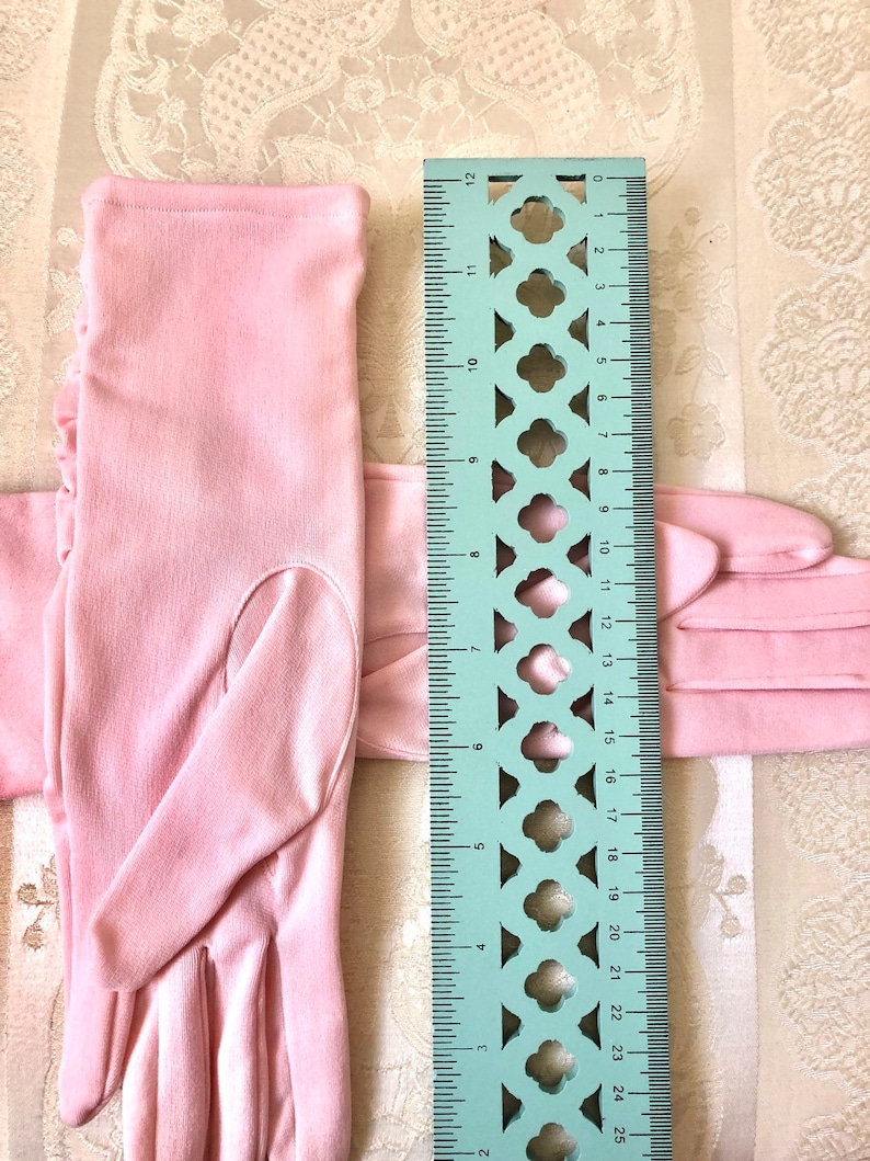 Vintage Baby Light Pastel Pink Ruffled Ruched Formal Evening Church Opera Prom Gloves Disney Princess Queen Tea Costume Fashion Womens Girls