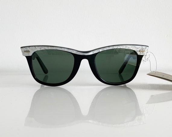 Vintage 80s B&L RAY BAN Wayfarer Bicolor 50 mm Sunglasses