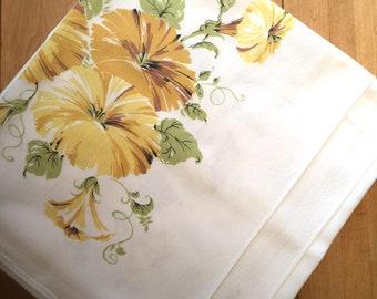 cef4f3d7c1 Vintage tablecloth