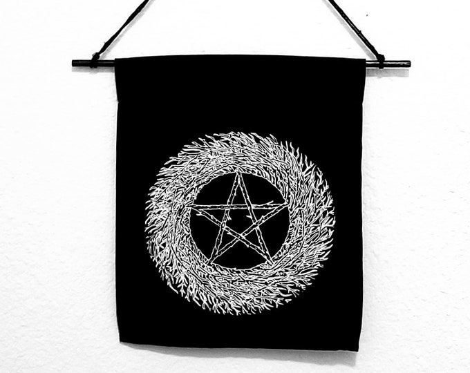 The Fivefold Wreath Banner