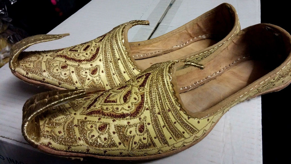 2019 year style- Khussa Multani feet wear collection for ladies