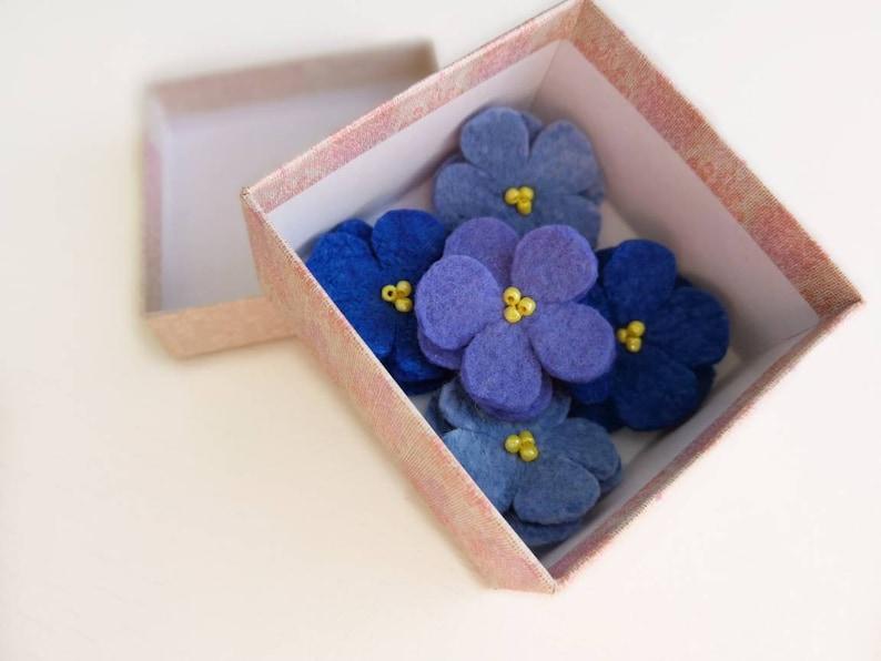 Mother/'s day Felted wool flowers Felt flower pin Felt flower brooch Wool flowers Felted brooch Blue Felt Brooch Wool Jewelry