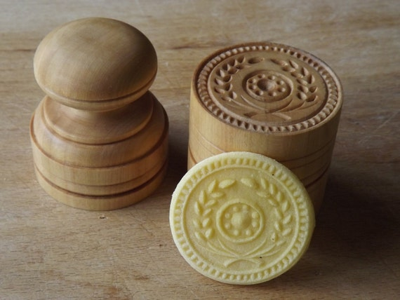 in Maple Chiantishire only my hands /& gouges 1Florentine Motif Stamp handturned handcarved CORZETTI PASTA Stamp = 1 Handle